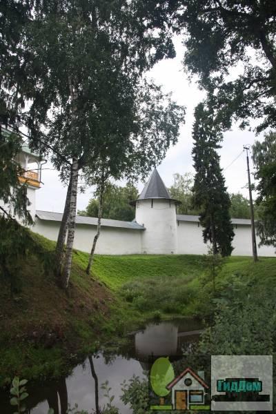 стены и башни