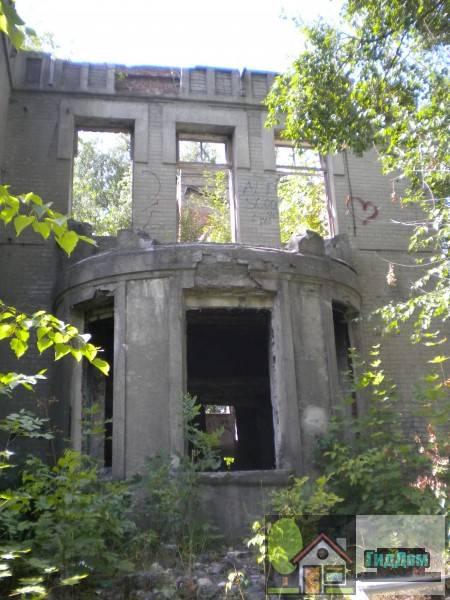 Руины дома Липгарта