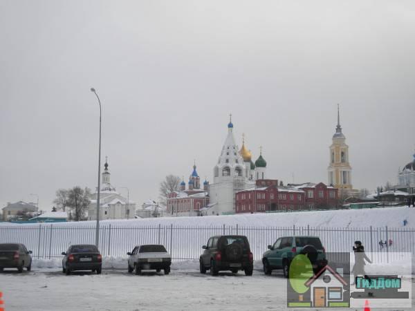 Соборная площадь Коломенского кремля