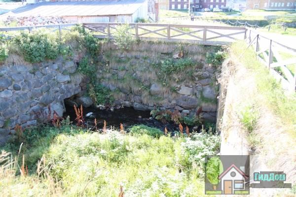 Гидроэлектростанция (руины). Загружен из открытых источников.