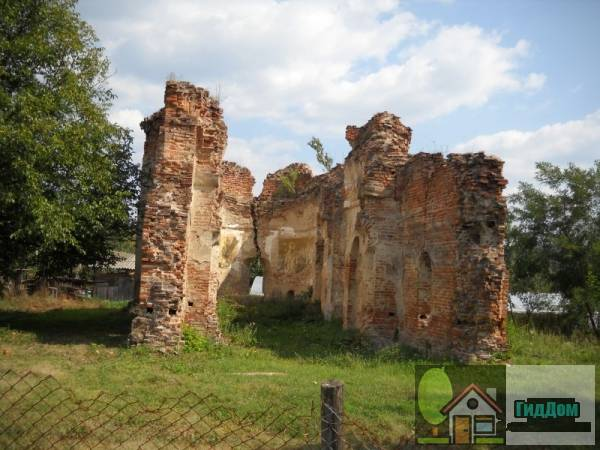 "(Ruinele bisericii ""Sf. Nicolae"")"