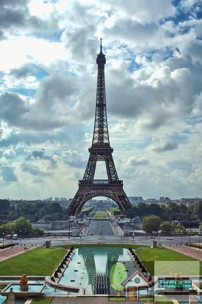 Эйфелева башня и Елисейские поля