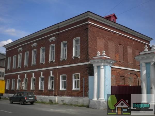 Административное здание на Комсомольской улице