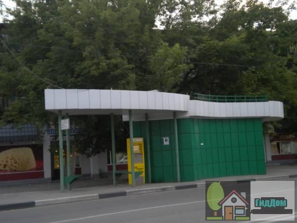 Автобусная остановка «улица Зелёная» на проспекте Кирова