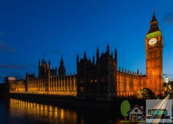 (Palace of Westminster <!--Houses of Parliament: the Palace of Westminster-->)