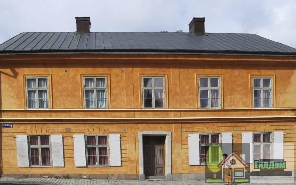 ([[Kungliga Vetenskaps-Societeten i Uppsala Vetenskapssocietetens hus]], [[Schefferska huset]] (Fjärdingen 15:1; f.d. Disa 8))