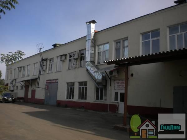 Административно-торговый центр на улице Дорфа