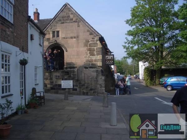 (Old Abbey Building). Загружен из открытых источников.