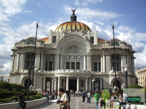 (Palacio de Bellas Artes)