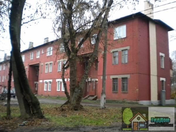 Малоэтажный жилой дом на улице Октябрьской Революции