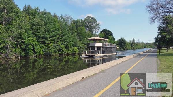 ([[Rideau Canal|Rideau Canal National Historic Site]])