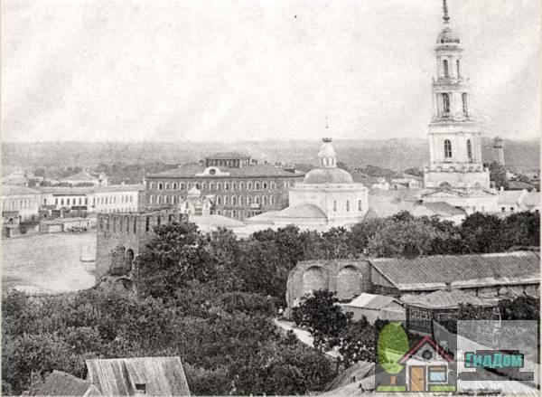 Вид на современную площадь Двух Революций