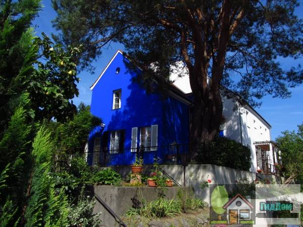 Берлин. Дом в Gartenstadt Falkenberg — поселении, входящем в список всемирного наследия ЮНЕСКО. Снимок загружен из Википедии. Автор фото — Ujump.
