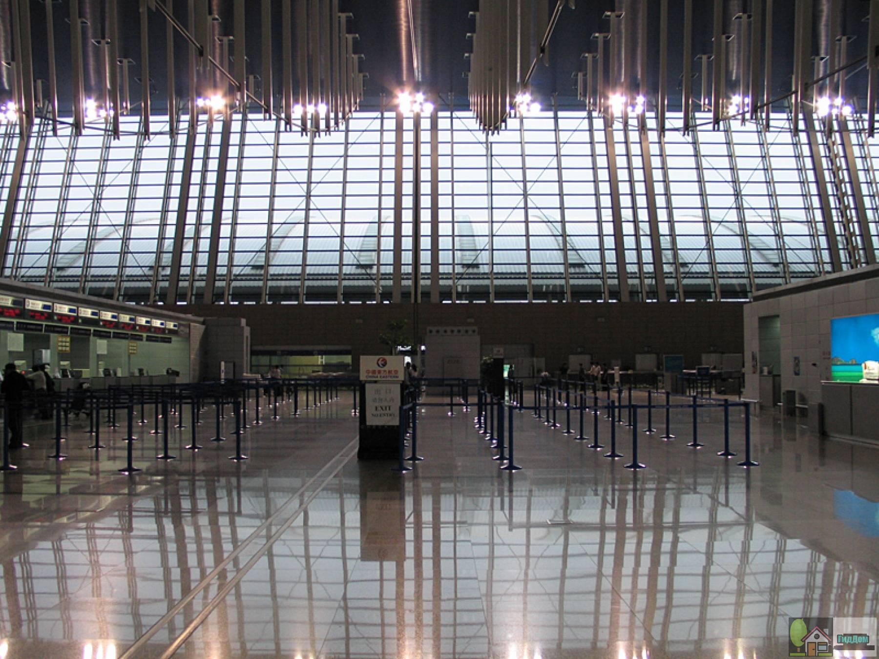 Интерьер международного аэропорта «Пудун»