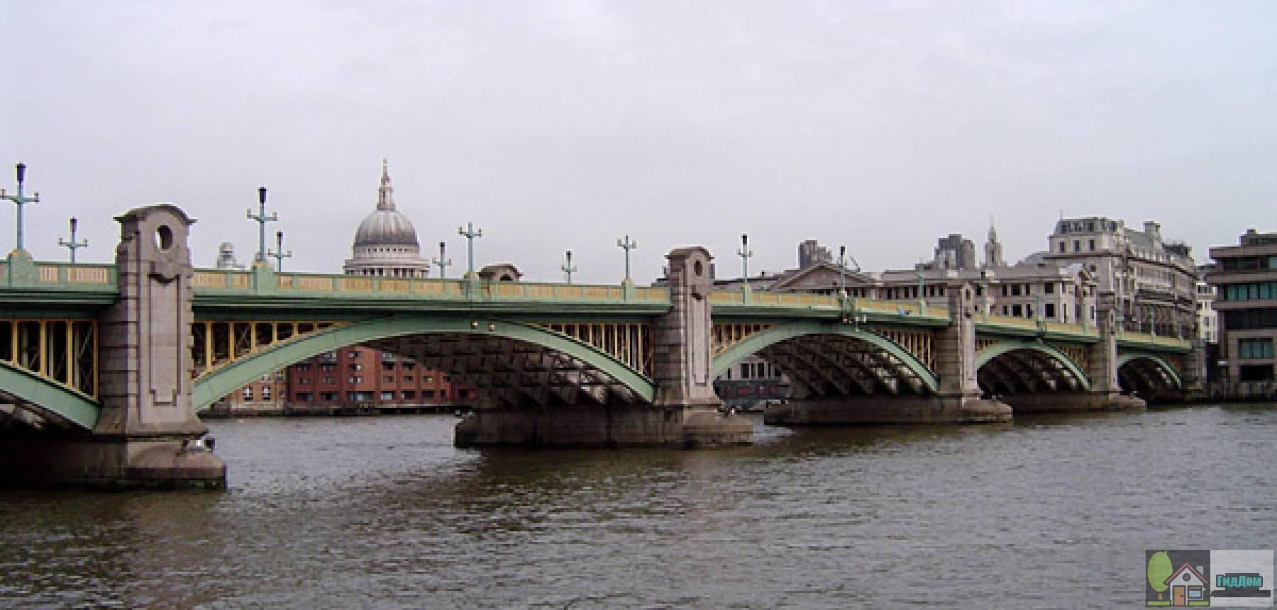 Мост Саутуарк в Лондоне