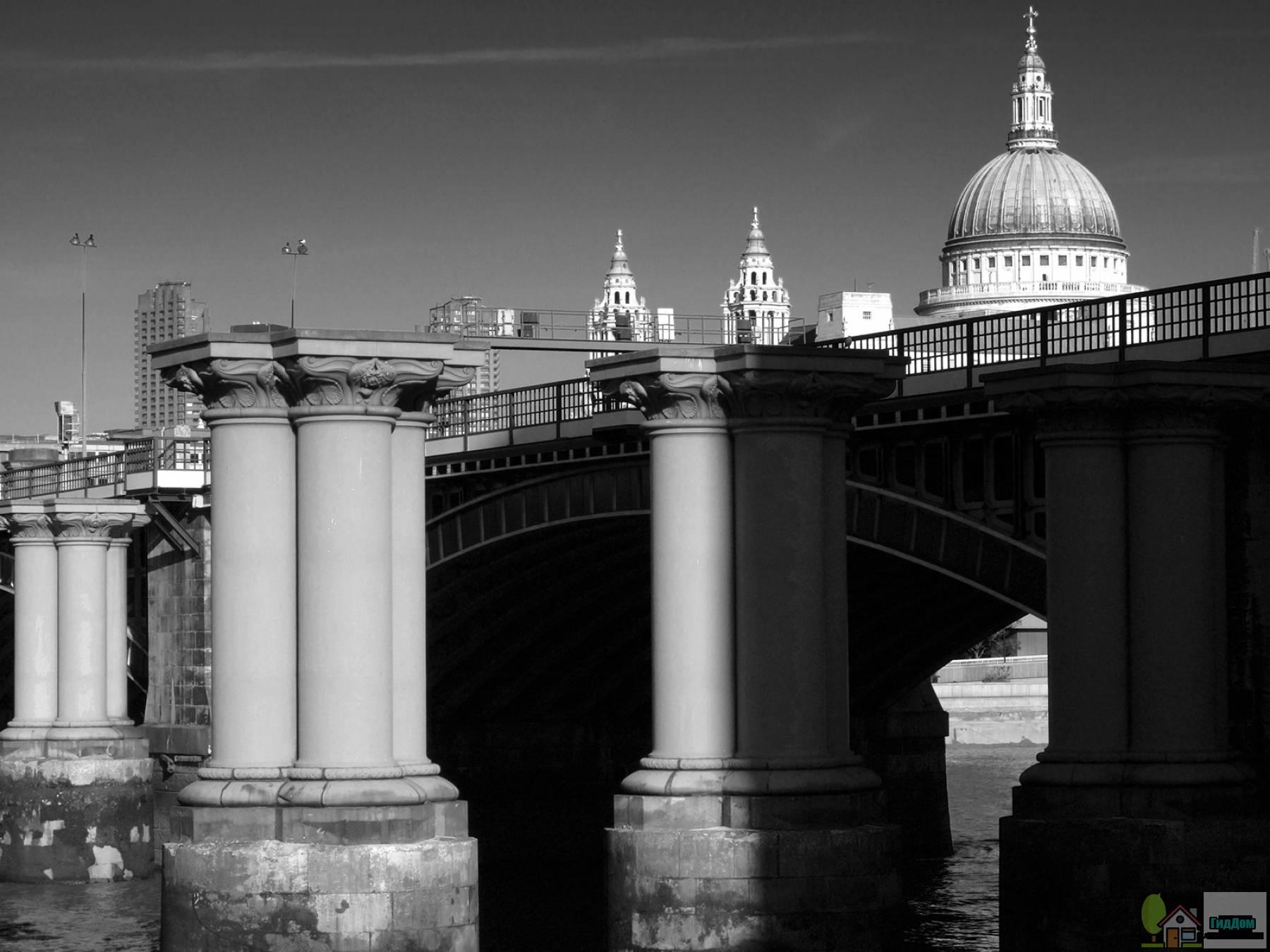 Железнодорожный мост Блэкфрайарс в Лондоне