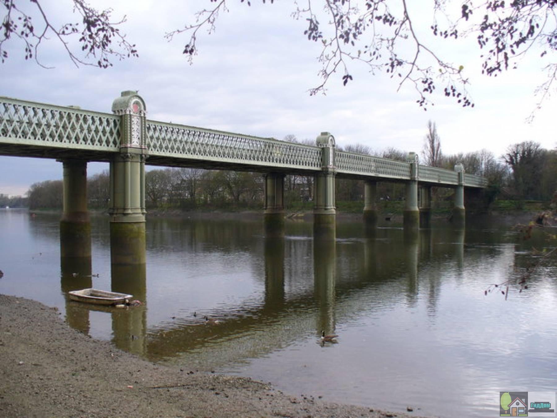 Железнодорожный мост Кью через Темзу