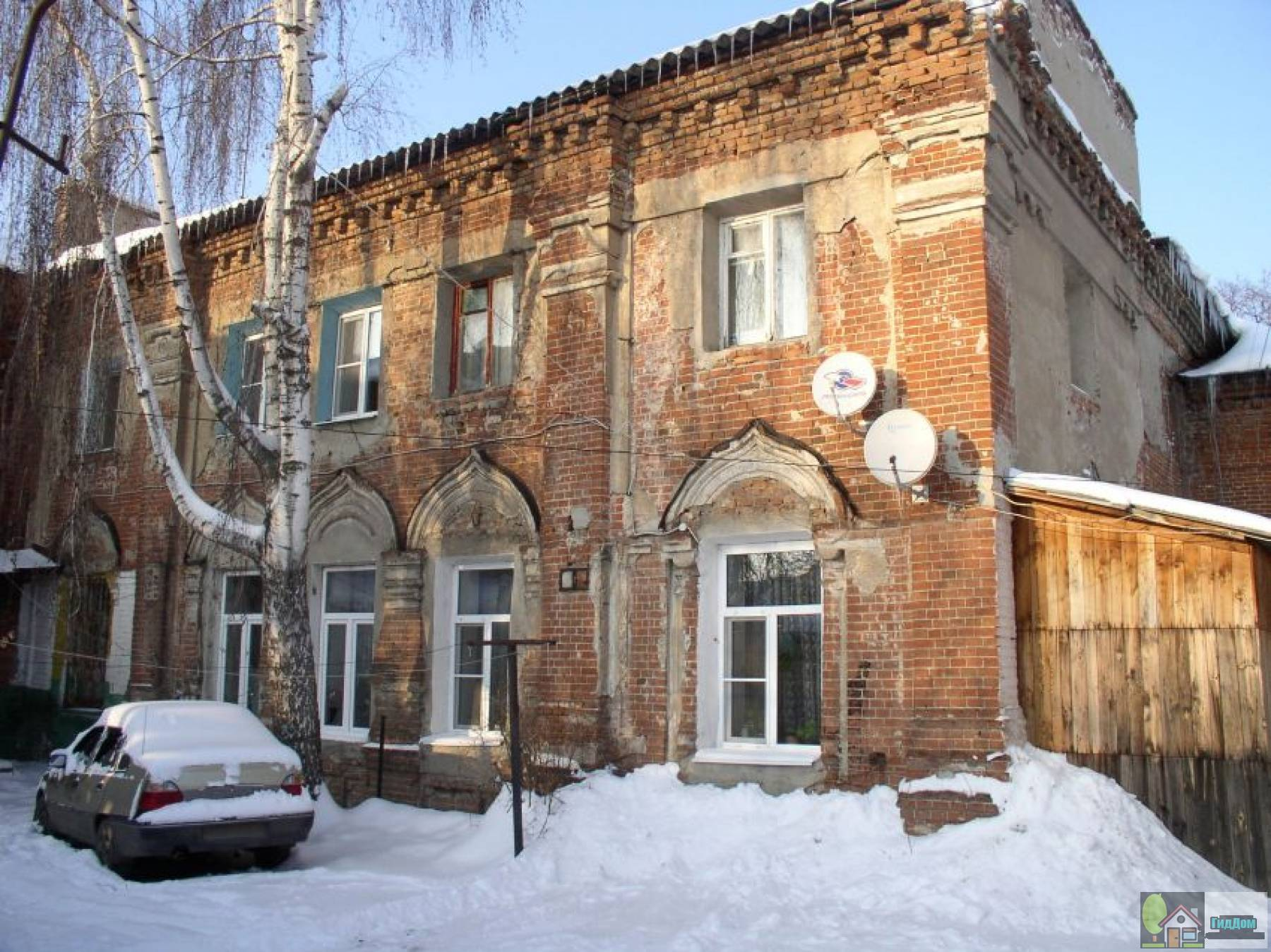 Сохранившаяся южная сторона Печерской церкви монастыря