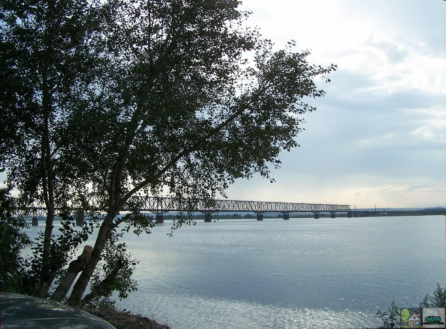 Саратовский железнодорожный мост Файл загружен из открытых источников.