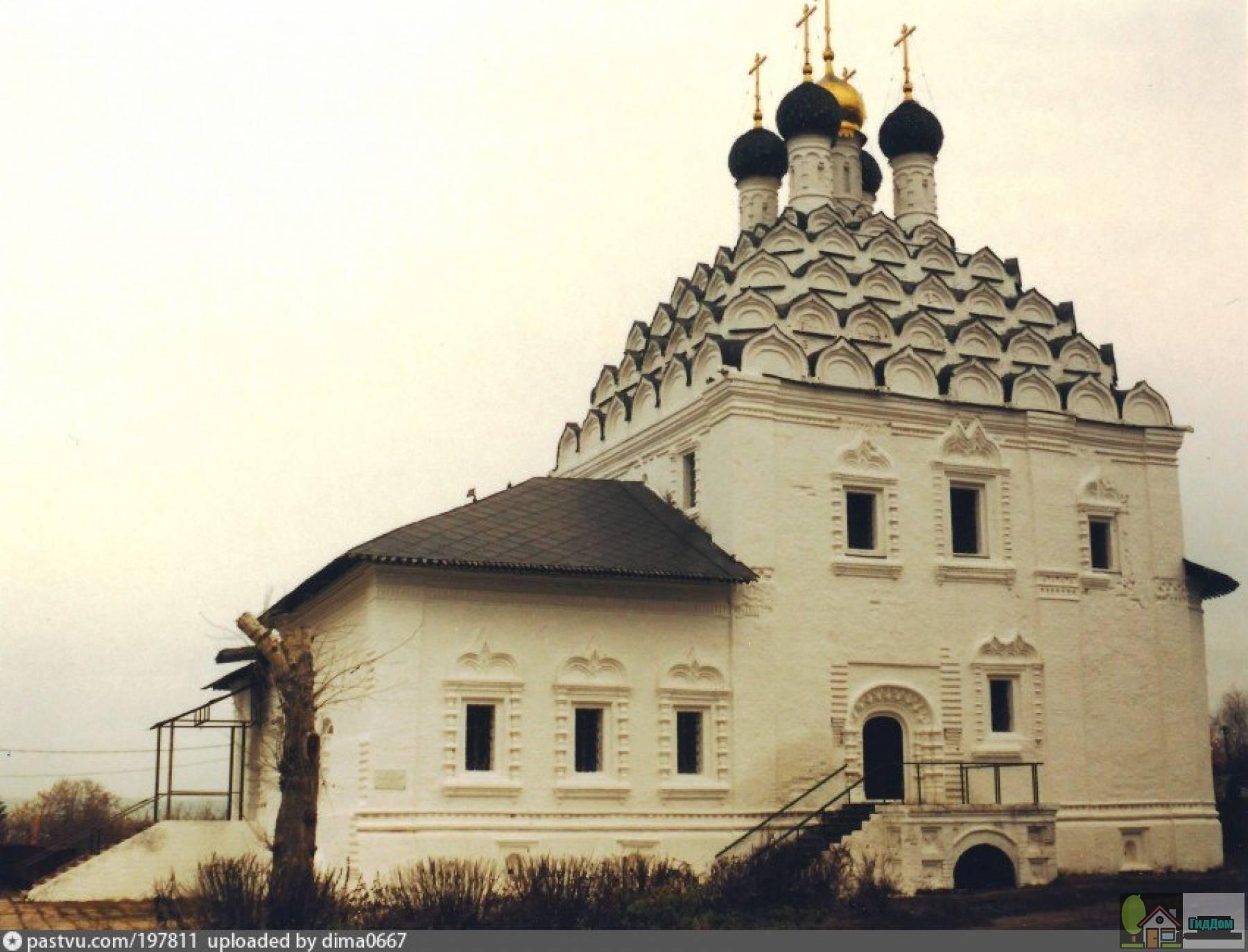 Храм Николы-на-Посаде в 1999 году. Снимок загружен из открытых источников. Автор неизвестен.