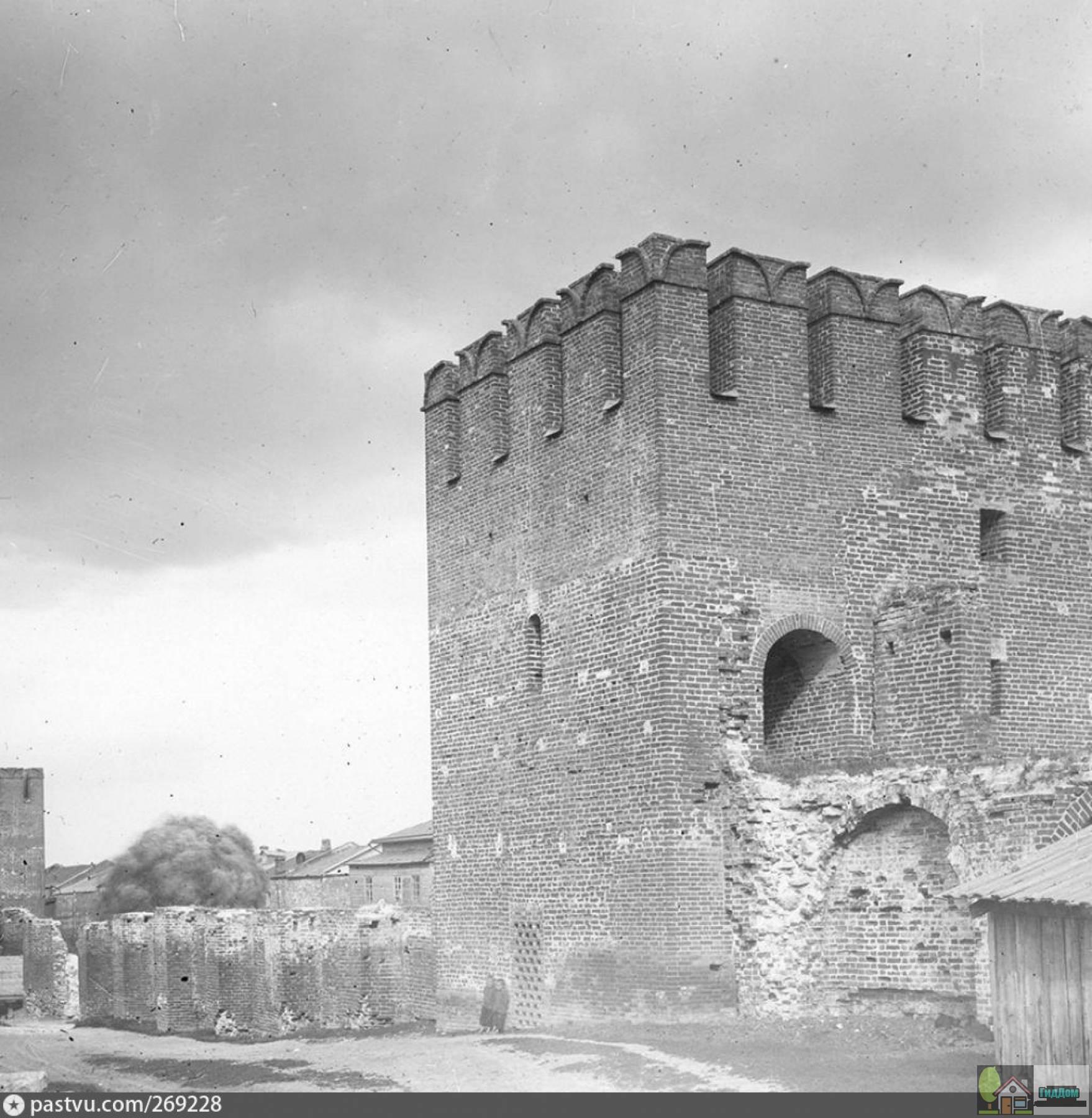 Спасская башня в 1905 году. Снимок загружен из открытых источников. Автор неизвестен.