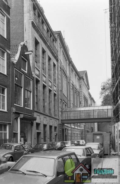 ([[Amsterdamse effectenbeurs|Effectenbeurs]]). Загружен из открытых источников.