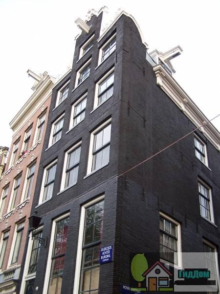 Особенный угловой дом (Gaaf hoekhuis)