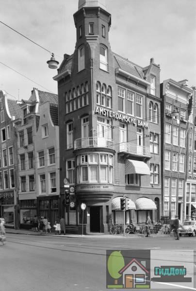 (Kantoorgebouw in een door sobere Art Nouveau en Rationalisme beïnvloede stijl)