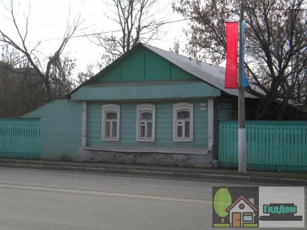 Улица Октябрьской Революции, дом 144. Главный вид дома с противоположной стороны улицы.