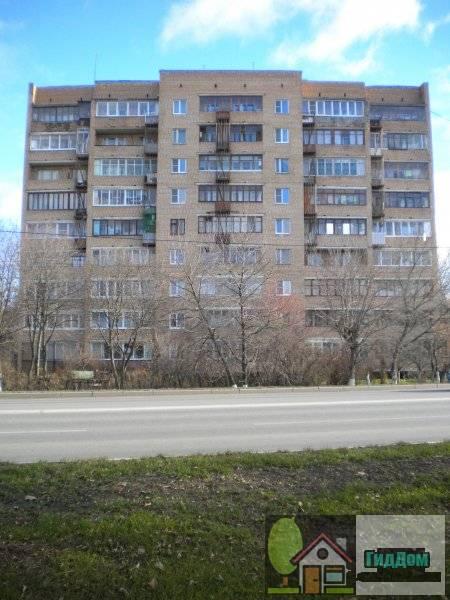 Улица Октябрьской Революции, дом 147. Главный вид дома с противоположной стороны улицы.