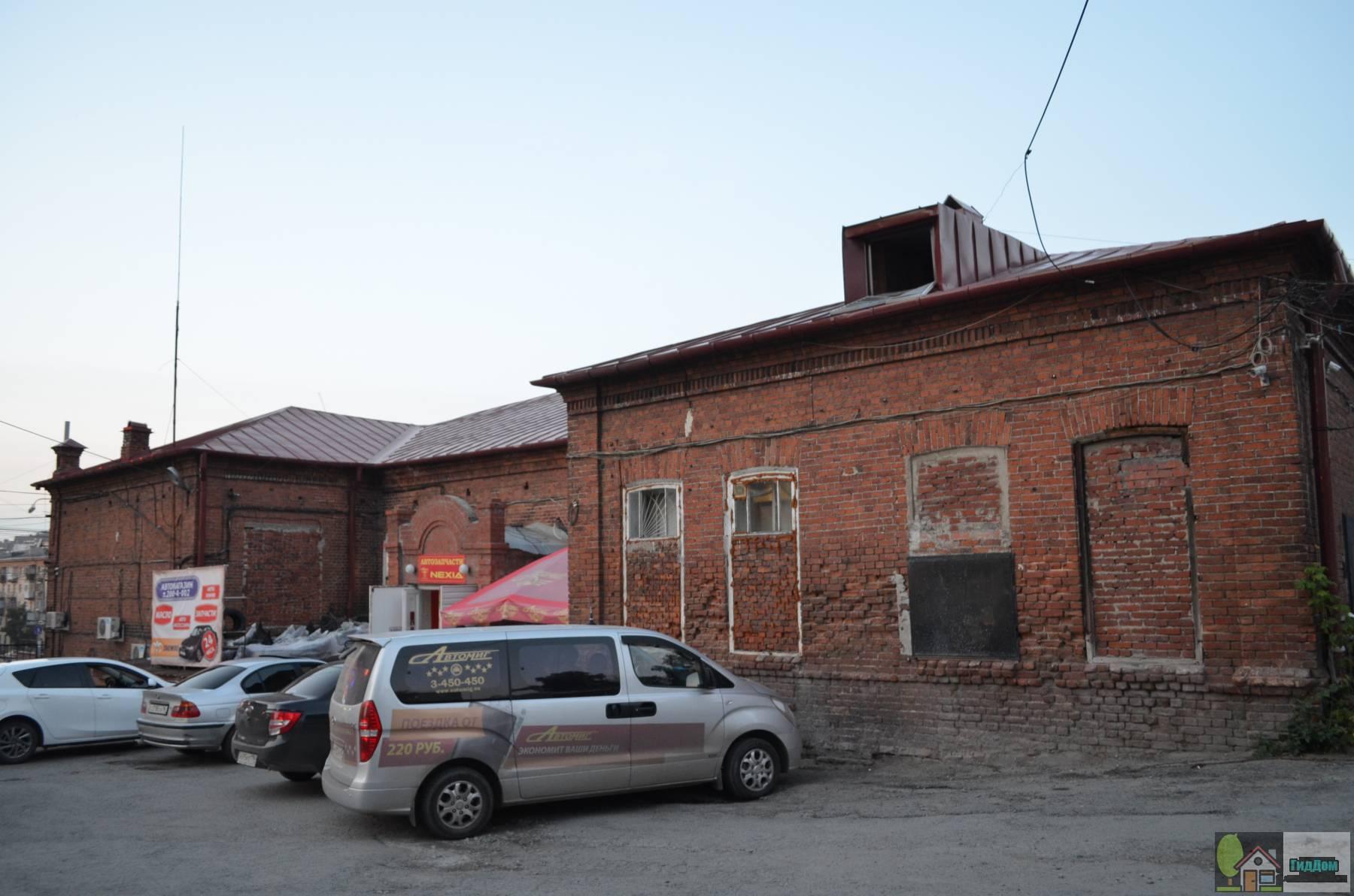 Здание земской школы