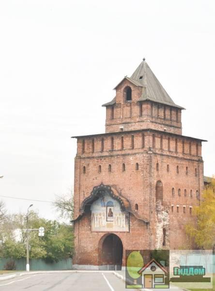 Ворота Пятницкие с часовней Антипы Пергамского. Загружен из открытых источников.