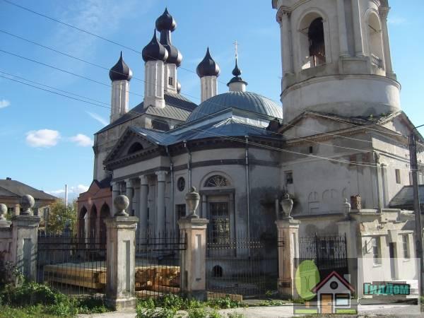Комплекс церкви Спаса Преображения под горой