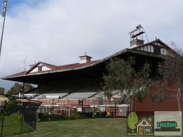 Стадион Лейксайд
