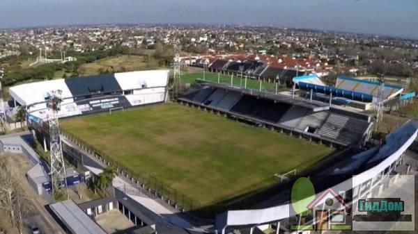 Центральный стадион имени доктора Хосе Луиса Мейцнера Файл загружен из открытых источников.