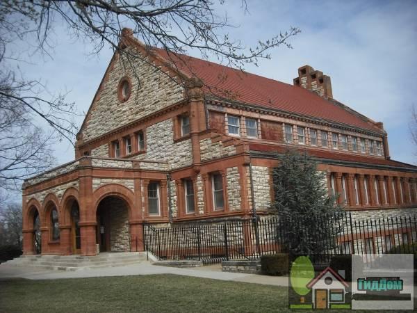 Зал Спунера Канзасского университета (Spooner Hall, University of Kansas)