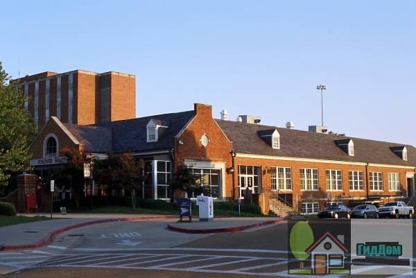 Толиверский обеденный зал-Луизианский технический университет (Toliver Dining Hall-Louisiana Tech University)
