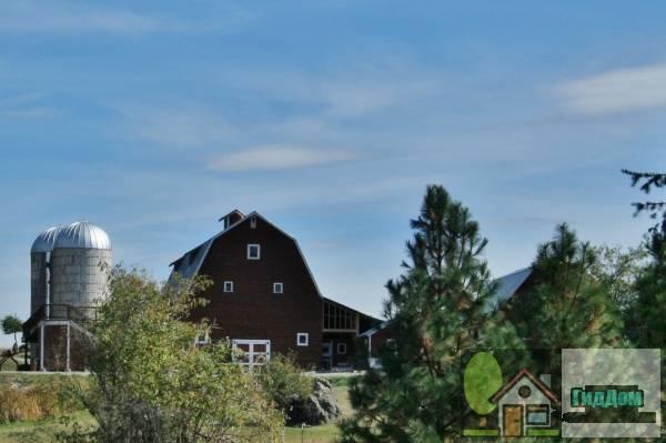 (Mooney–Dahlberg Farmstead)