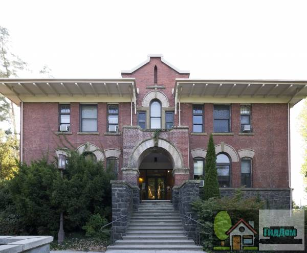 Спортивный зал и арсенал университета Айдахо (University of Idaho Gymnasium and Armory)