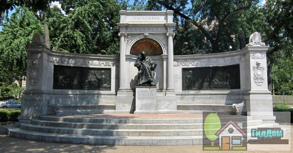(Samuel Hahnemann Monument)