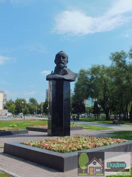 Бюст Ф.Э.Дзержинского в сквере им.А.П.Гайдара Файл загружен из открытых источников.