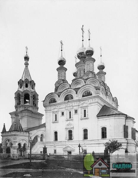 Собор Благовещения Богородицы в Муромском Благовещенском монастыре в 1889 году. (Фото Барщевского).
