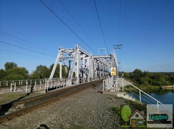 Горбатый мост - железнодорожный мост Северного внутригородского железнодорожного хода Файл загружен из открытых источников.