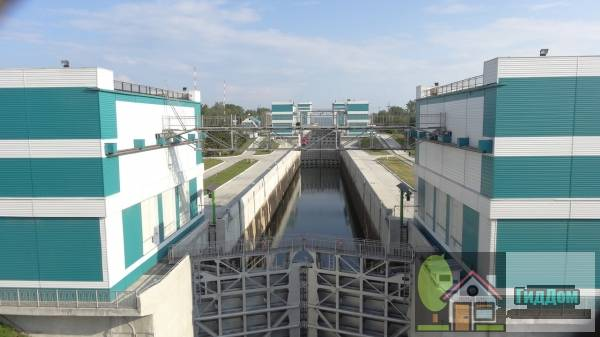 Мост через шлюз Новосибирской ГЭС