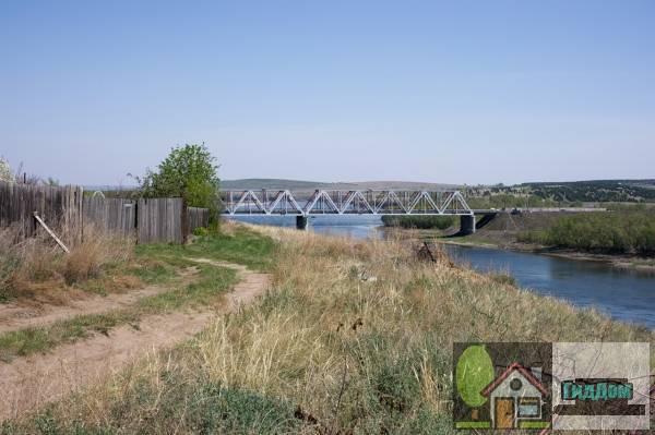 Автомобильно-железнодорожный енисейский мост