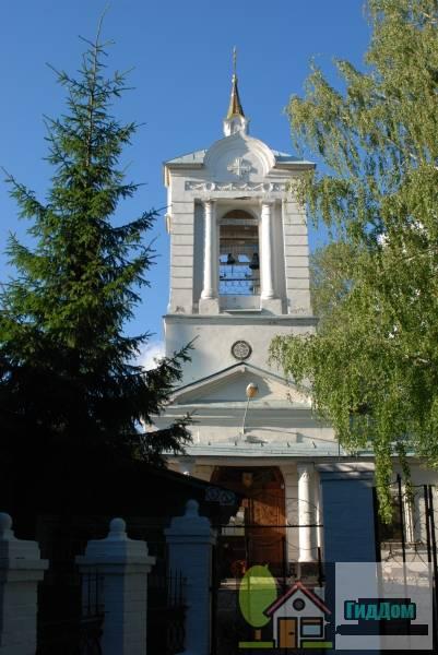 Троицкая церковь с интерьером