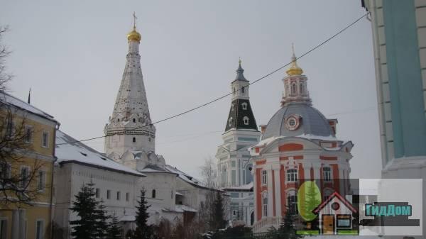 Палаты больничные с церковью преподобных Зосимы и Савватия Соловецких