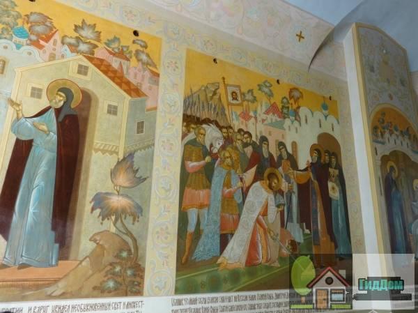 Церковь Рождества Иоанна Предтечи надвратная