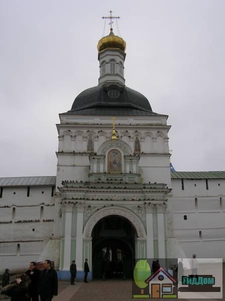 Комплекс гостиницы Троице-Сергиевой Лавры