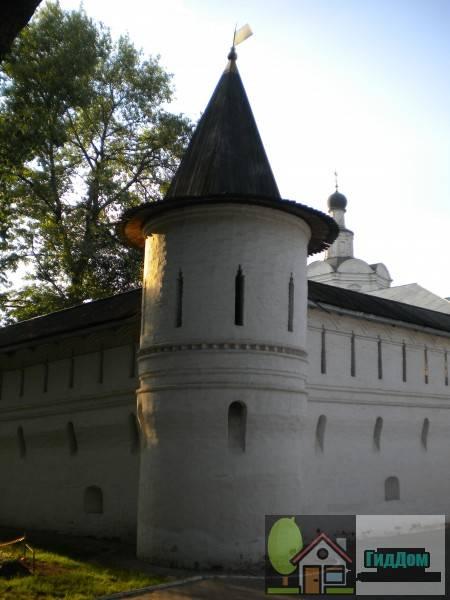 Башня Андроникова монастыря